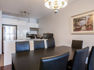 LMVR - LuxApt 4  with 3 bedrooms and 2 bathrooms with free parking (1)
