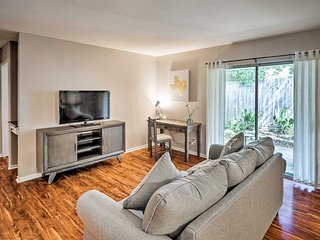 Updated Austin Duplex w/ Patio: Walk to 6th Street