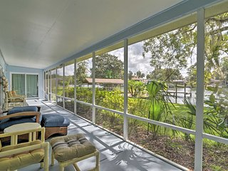 Riverfront Home w/Dock - 1 Mi to Homosassa St Park