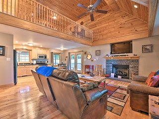 NEW! 'A Bit of Heaven' Cabin 12.4 Mi from Boone!