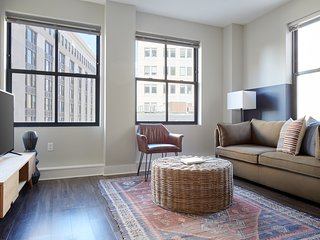 Sonder | Financial District | Bright 1BR + Laundry