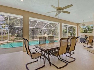 Newly Listed, Newly Furnished, Heated Pool, Beach Gear, Peaceful Fresh Water Can