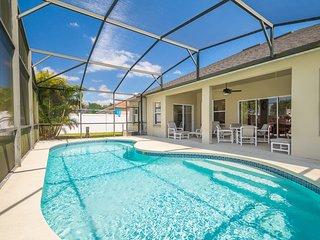 Tranquil Holiday Home-Games Room, Private Pool, WiFi, Disney/Orlando