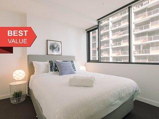 A Sleek & Cozy 2BR CBD Suite Near Southern Cross