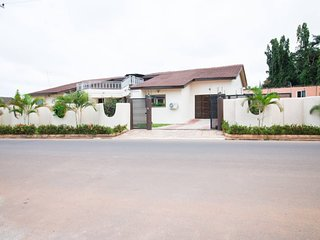 5 Bedroom Bungalow in East Legon