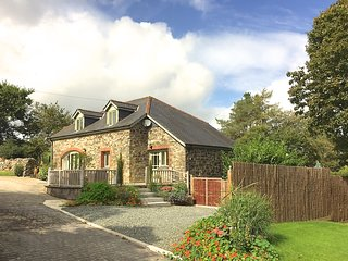 Meadow Drift Cottage is a five star gold awarded detached cottage in Cornwall
