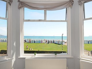 Fantastic views across Torbay, 3 bed plus Balcony Seafront location