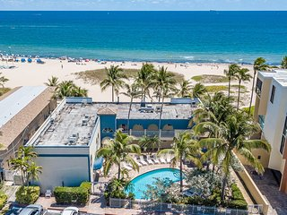 BEACHFRONT CONDO HAS POOL VIEW 2/2 FOR 7 POOL