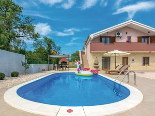 Beautiful home in Paljuv w/ WiFi and 3 Bedrooms