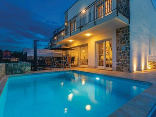 Beautiful home in Kornic w/ WiFi, Outdoor swimming pool and 3 Bedrooms