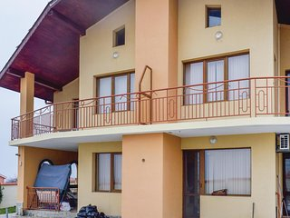 Nice home in Kosharitsa w/ WiFi and 5 Bedrooms