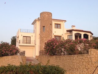 Sunset Valley Villa 3 bed, 3 bath, Private Pool, Stunning Location!