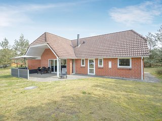 Amazing home in Rømø w/ Sauna, WiFi and 4 Bedrooms (R10885)