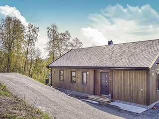 Beautiful home in Stranda w/ 4 Bedrooms