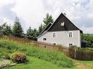 Amazing home in Kovarska w/ 3 Bedrooms (TBW516)
