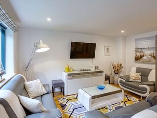Isambards Retreat - A modern three bedroom apartment in the historic town of Los