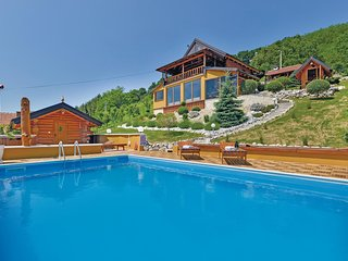 Amazing home in Novi Marof w/ Jacuzzi, Sauna and 3 Bedrooms