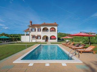 Beautiful home in Motovun w/ WiFi and 3 Bedrooms
