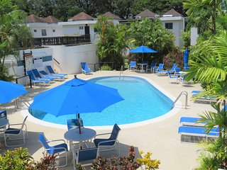 Golf & Beach - Beautifully clean 1 Bedroom Apartment at Lemon Arbour, Sleeps 4