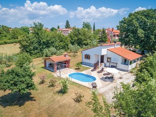 Awesome home in Svetvincenat w/ WiFi and 3 Bedrooms (CIC510)