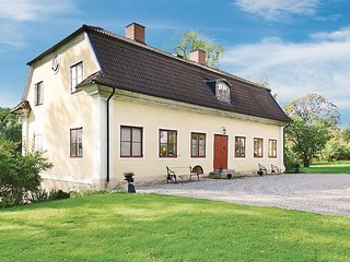 Amazing home in Nyköping w/ 5 Bedrooms