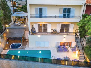 Awesome home in Split w/ Sauna, WiFi and 5 Bedrooms (CDC105)