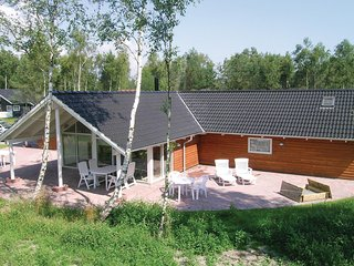 Stunning home in Væggerløse w/ Sauna, WiFi and 5 Bedrooms (G0150)