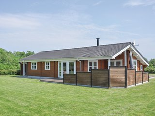 Awesome home in Sydals w/ Sauna and 3 Bedrooms (F09241)