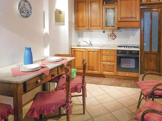 Amazing home in Cosio d'Arroscia w/ 3 Bedrooms