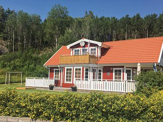 Nice home in Strömstad w/ Sauna, WiFi and 3 Bedrooms