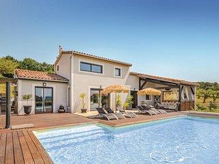 Elegant houten huis met prachtig uitzicht en heerlijk zwembad (FPV346)