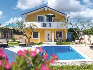 Stunning home in Buje w/ WiFi and 2 Bedrooms (CIU295)