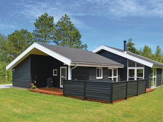 Nice home in Ålbæk w/ Sauna, WiFi and 3 Bedrooms (A17968)