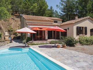Awesome home in Roquebrun w/ Outdoor swimming pool and 2 Bedrooms