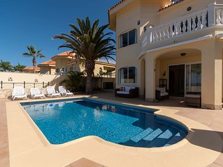 Parque Tropical 5 - Three Bed Villa