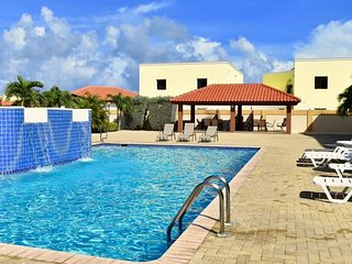 Aruba Breeze Condominium B7