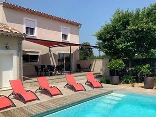 Maison neuve climatisée avec piscine privative