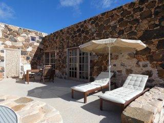 GARABATO GRANDE ONE (Certified Organic Farm in the center of Fuerteventura)