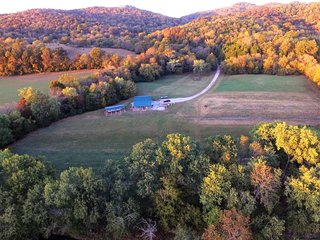 Beautiful Cabin on 182 Acre Farm on Caney Fork River 2 BR 1B