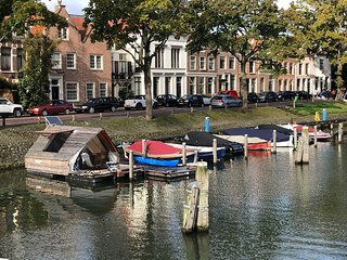 Slapen in de haven van Weesp
