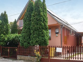 Stunning home in Balatonlelle w/ 5 Bedrooms (UBF901)