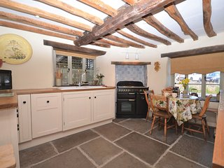 41970 Cottage situated in Bath (12mls SW)