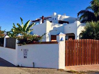 Casa Nacho Conil ' LA BALLENA AZUL '