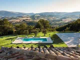 Case San Martino Villa Sleeps 10 with Pool - 5813830