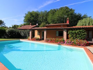 Sergine di Sotto Villa Sleeps 5 with Pool and Air Con - 5490414