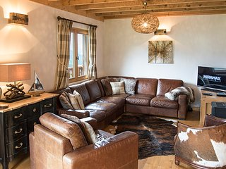 4 bedroom Chalet with WiFi - 5813909