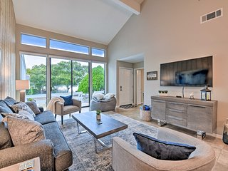 Renovated Montgomery Condo on Lake: Boat & Fish!