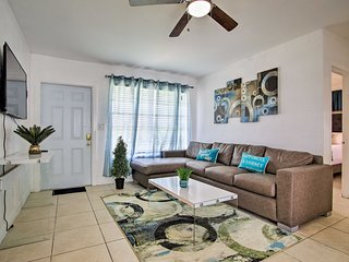 NEW! Pet-Friendly Home, 4 Mi to Hollywood Beach!
