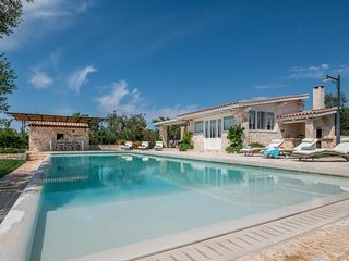 3 bedroom Villa with Pool, Air Con and WiFi - 5048917