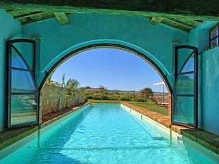 Sant'Ambrogio Villa Sleeps 14 with Pool Air Con and WiFi - 5241633